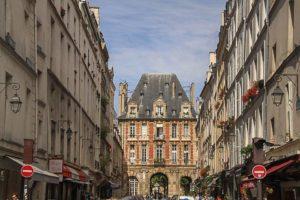Circulation rue de Birague